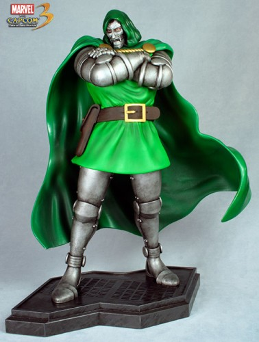 Estatua Hollywood collectibles criticsight dr doom 2