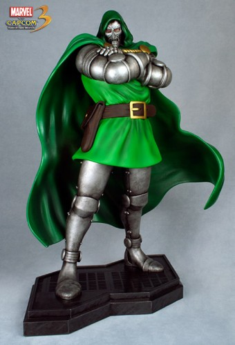 Estatua Hollywood collectibles criticsight dr doom 3