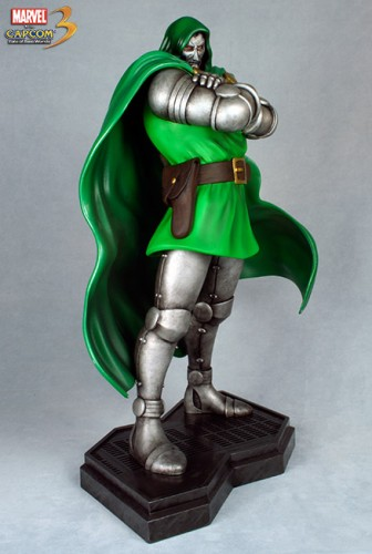 Estatua Hollywood collectibles criticsight dr doom 4