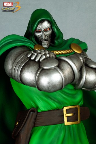 Estatua Hollywood collectibles criticsight dr doom 5