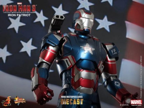 IRON PATRIOT IRON MAN 3 FIGURA HOT YOYS CRITICSIGHT IMAGEN 12