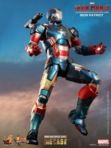 IRON PATRIOT IRON MAN 3 FIGURA HOT YOYS CRITICSIGHT IMAGEN 2