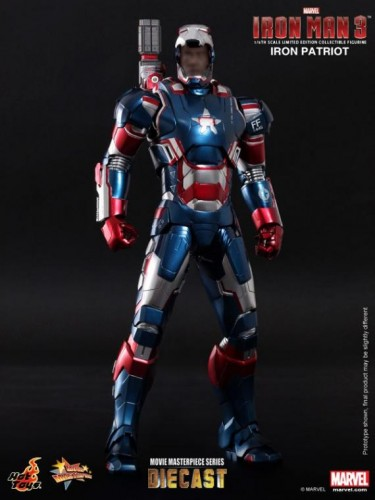 IRON PATRIOT IRON MAN 3 FIGURA HOT YOYS CRITICSIGHT IMAGEN 6