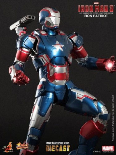 IRON PATRIOT IRON MAN 3 FIGURA HOT YOYS CRITICSIGHT IMAGEN 8