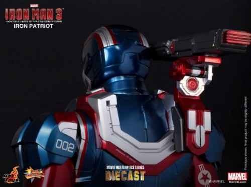 IRON PATRIOT IRON MAN 3 FIGURA HOT YOYS CRITICSIGHT IMAGEN 9