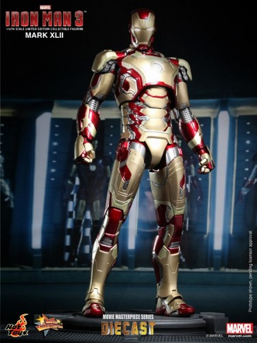 Iron Man 3 mark XLII 42 figura por hot toys criticsight imagen 1