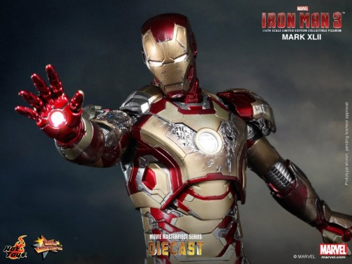 Iron Man 3 mark XLII 42 figura por hot toys criticsight imagen 10