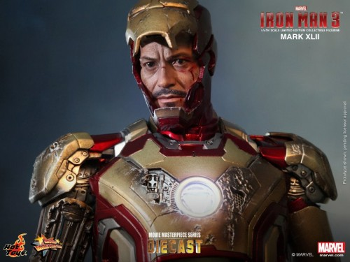 Iron Man 3 mark XLII 42 figura por hot toys criticsight imagen 11