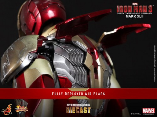Iron Man 3 mark XLII 42 figura por hot toys criticsight imagen 12