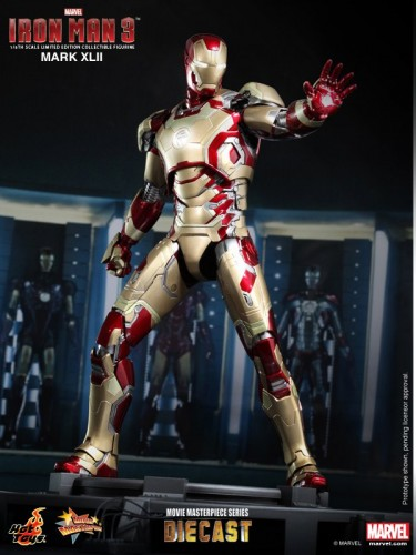Iron Man 3 mark XLII 42 figura por hot toys criticsight imagen 2