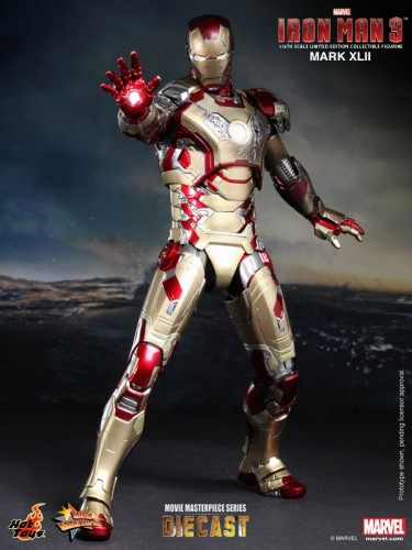 Iron Man 3 mark XLII 42 figura por hot toys criticsight imagen 3