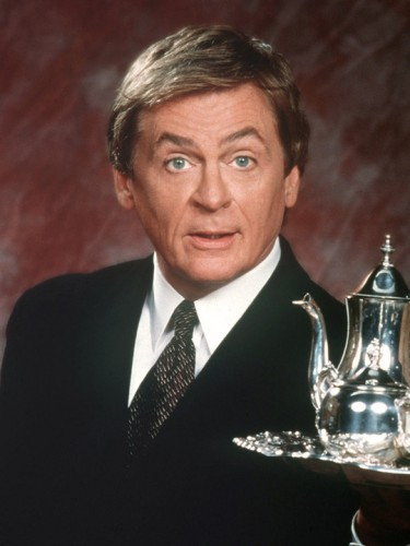 Daniel Davis plays Niles on THE NANNY.