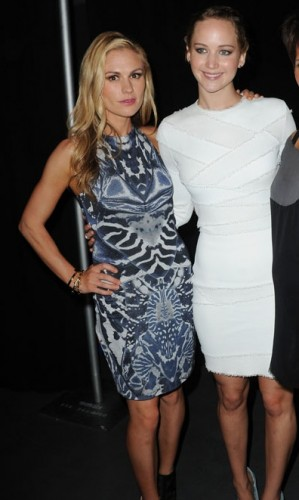 anna paquin y jennifer lawrence  comic con 2013 criticsight