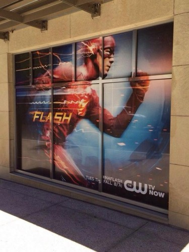 Teaser poster promocional de la serie The Flash criticsight