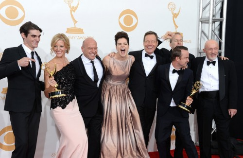 breaking bad cast elenco emmy 2014 premios criticsight