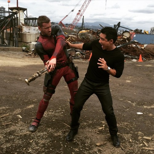 Mario López en el Set de Deadpool criticsight
